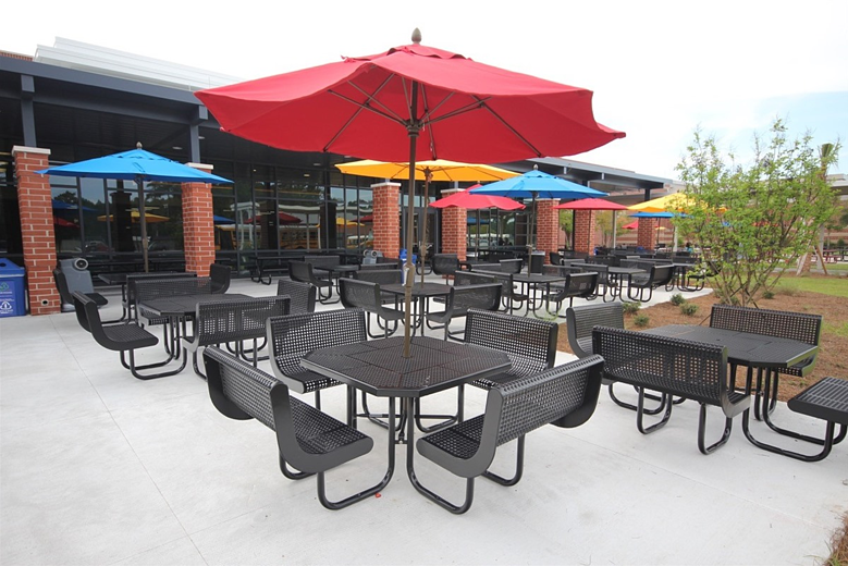 Ways to Increase the Impact of Outdoor Dining Facilities